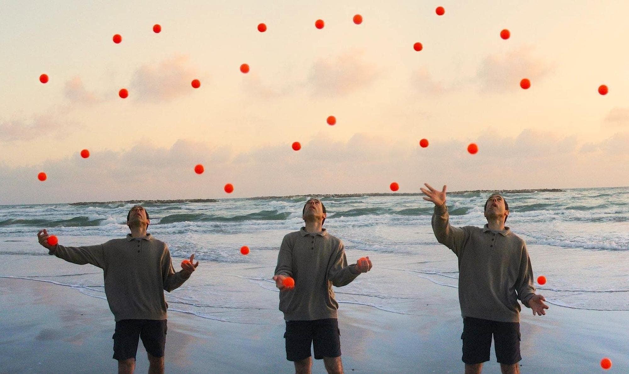 juggle dream meaning, dream about juggle, juggle dream interpretation, seeing in a dream juggle