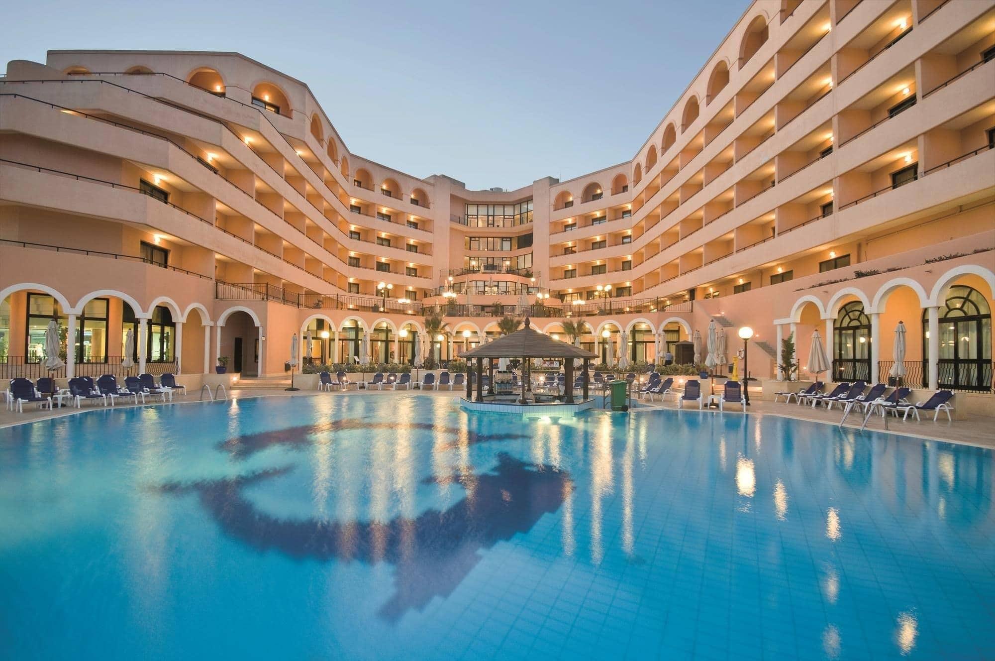 hotel dream meaning, dream about hotel, hotel dream interpretation, seeing in a dream hotel